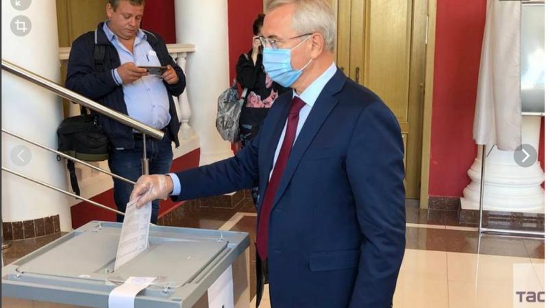Как губернатор Белозерцев опустил  ВЦИОМ, и едва, разошедшись, не опустил Путина