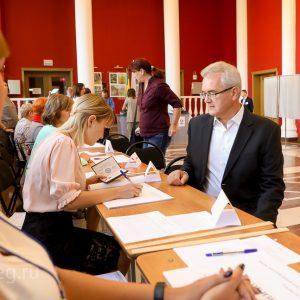 Деградация избирательной системы, или Почему социологи не предсказали «триумф» Белозерцева?