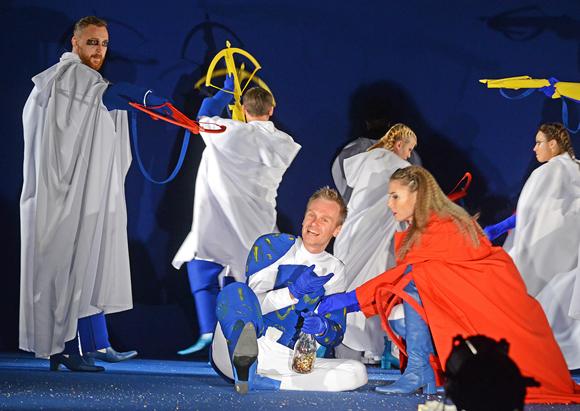 В чьём доме чума? В Пензенском драмтеатре состоялась премьера по пьесе А. Горина «Чума на оба ваших дома»
