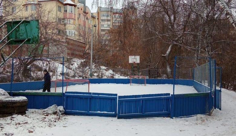 На ледовой площадке в Первомайском районе приготовились калечить детей